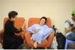 "Hinh anh Hoai Linh lam ""chuot bach"" cho Thanh Bach thu camera 7"
