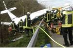 Lại tai nạn hàng không: Máy bay đâm xuống cao tốc Đức
