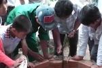 Mục sở thị giếng nước chứa đầy xăng ở Bình Phước