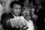 Võ sỹ Muhammad Ali qua đời: Huyền thoại quyền Anh, triết gia xuất sắc