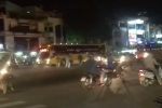 Video: Tài xế Grabbike và xe ôm hỗn chiến náo loạn bến xe miền tây, công an nổ súng trấn áp