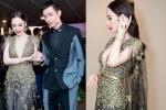 Angela Phương Trinh diện đầm xẻ sâu gợi cảm, nắm chặt tay 'người tình màn ảnh'