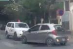 Tài xế ô tô chặn đầu xe cứu thương lấn làn: Ai đúng, ai sai?