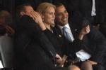 Những scandal ứng xử khiến các nhà lãnh đạo thế giới 'muối mặt'