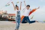 Nam Thư và Huỳnh Lập thích thú khi được chào đón bằng bầu trời diều bay khổng lồ