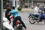 Giả danh cảnh sát hình sự 'làm luật' người vi phạm