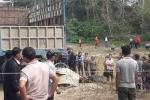 Xót xa bé lớp 2 bị xe tải cán chết trên đường đi học về