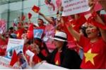 Người Việt 'nhuộm đỏ' Seoul, biểu tình phản đối Trung Quốc về vấn đề Biển Đông