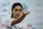 Con gái xinh đẹp của chưởng môn Vịnh Xuân Nam Anh trổ tài võ thuật cao cường