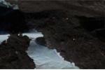 Vật thể nghi tàu ngoài hành tinh ẩn náu trong hang động ở Nam Cực
