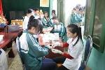Học sinh Nghệ An bị ép lấy máu: 'Không lấy từng xô'