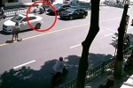 Trung Quốc: Chủ ngã sấp mặt, xe 'điên' tự rồ ga trốn khỏi hiện trường