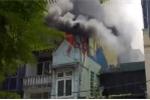 Hà Nội: Nhà cao tầng cháy ngùn ngụt, khói đen bao trùm bầu trời