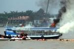 Hàng ngàn cảnh sát diễn tập cứu nạn trên sông Đồng Nai