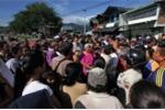 Trong cơn đói, hàng trăm phụ nữ Venezuela tràn qua biên giới làm điều này