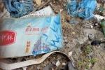 Phát hiện thêm hàng trăm tấn rác thải có chữ Trung Quốc đổ trong rừng