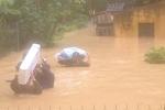 Lũ ống ầm ầm đổ về Điện Biên, nước ngập gần đến đầu người
