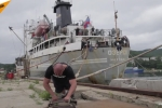 'Siêu nhân' Nga kéo thuyền nặng 4.200 tấn, người xem tròn mắt ngạc nhiên