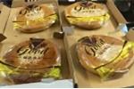 Bánh trung thu 'xách tay' Hong Kong giá rẻ hút khách
