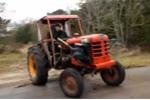 Video: Nhà nông phút ngẫu hứng drift máy cày
