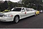 Dàn mô tô 'khủng' và xe limousine rước dâu tại Nha Trang