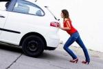 Ô tô của bạn đi được thêm bao nhiêu km khi đèn báo xăng sáng?