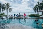 Ảnh: Khách du lịch vẫn nườm nượp đến thăm đảo Guam