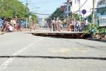 Cầu nứt toác, suýt tách đôi sau trận mưa lớn ở Sài Gòn