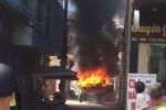 Video: Xe chở gạch bốc cháy ngùn ngụt ở Quảng Ninh