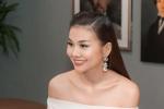 Ngưỡng mộ vẻ đẹp rạng rỡ của Thanh Hằng dù phải làm việc liên tục