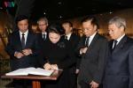 Chủ tịch Quốc hội Nguyễn Thị Kim Ngân viếng lãnh tụ Fidel Castro tại Cuba