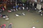 Chùm ảnh độc trận mưa ngập lịch sử ở Sài Gòn