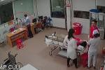 Nữ bác sĩ bị đánh ở Nghệ An: Chủ tịch phường cầm ghế, chỉ tay để hòa giải?
