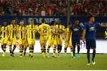 Man United thảm bại 1 - 4: Làm gì đây Mourinho?