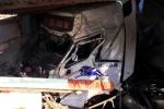 Tông chết một phụ nữ, xe đầu kéo tiếp tục đâm sập 3 nhà dân