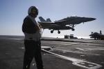 Gần 2/3 máy bay Hải quân Mỹ không thể cất cánh
