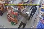 Cầm súng đi cướp cửa hàng, nhảy nhót 'uốn éo' trước camera giám sát