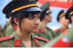 Nữ sinh An ninh xinh đẹp trong bộ quân phục