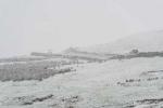 Nhiệt độ hạ kỉ lục, tuyết rơi dày đặc khắp Anh Quốc