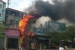 Cột điện bốc cháy giữa thủ đô, dân hoảng loạn tháo chạy