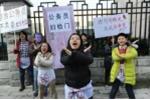 Sinh viên phản đối thi công chức phải... khám phụ khoa