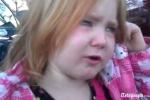 Bé 4 tuổi khóc vì 'phát ngấy' bầu cử Mỹ