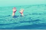Gần chục thanh thiếu niên chết đuối mỗi ngày
