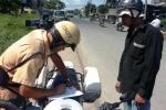 TP.HCM ra quân 'xử' xe ba gác chở hàng cồng kềnh