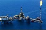 Bạc mặt vì giá dầu giảm, đại gia dầu khí cắt lương, giảm nhân sự