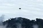 Cặp tình nhân đi chơi gặp UFO hình đĩa tung hoành trên núi lửa Costa Rica?