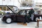 Xe chống đạn 10 triệu bảng của Nữ hoàng Anh có gì?