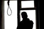 12 ngày sau khi con trai tự tử, cha mẹ chết trong tư thế treo cổ ở nhà thờ