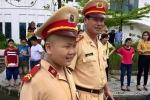 Chủ tịch Đà Nẵng đến viếng cậu bé ung thư ước mơ làm CSGT