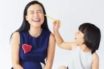 Á hậu Hoàng Oanh lần đầu khoe ảnh con gái nuôi đáng yêu